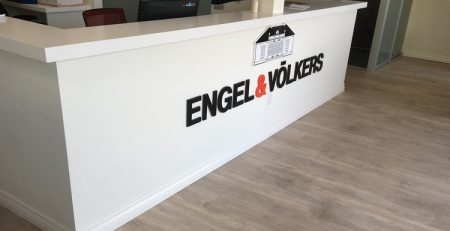 Acrylic_Lobby_Sign_Engel&Volkers_Encino_PremiumSignSolutions