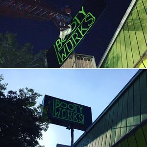 PylonSign_BootyWorks_LosAngeles_PremiumSignSolutions