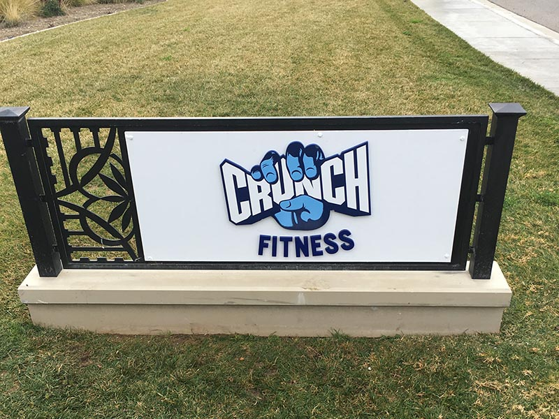Monument Parking Lot Sign, Simi Valley Crunch Fitness