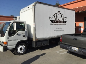 vehiclewrapgraphics_MGMCatering_LosAngeles_PremiumSignSolutions