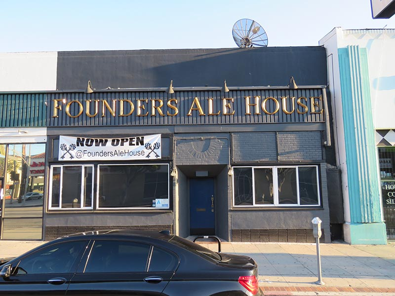Architectural Letters, Founders Ale House in Los Angeles