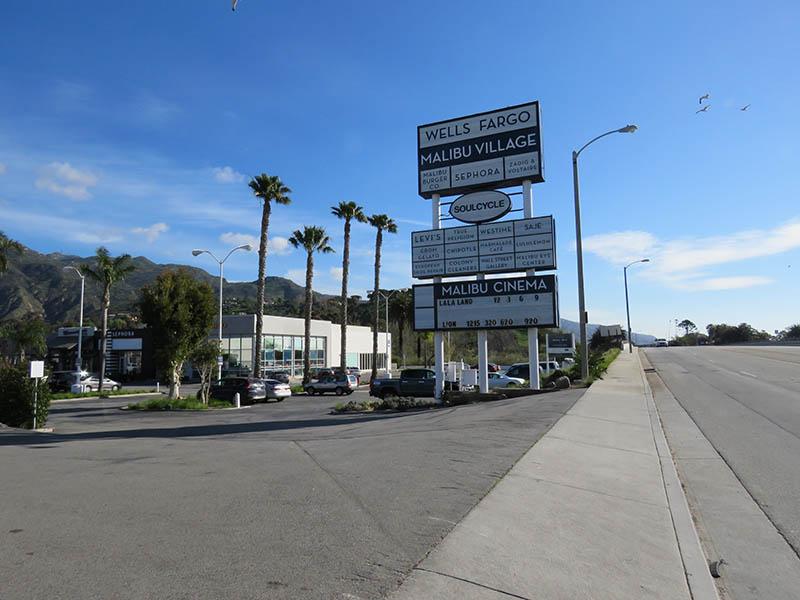 Multi Tenant Pylon Sign, Malibu Village