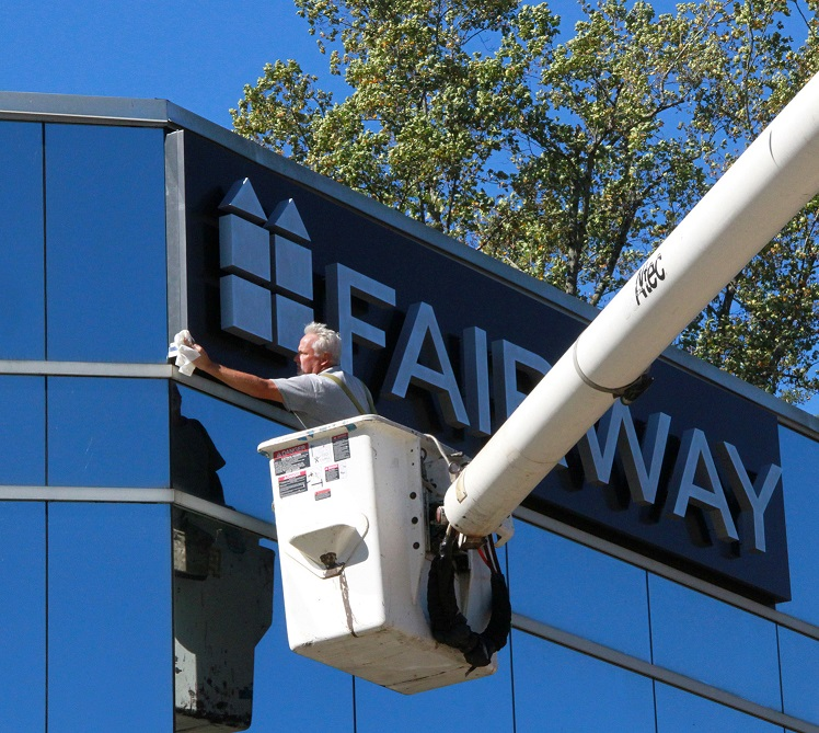 sign maintenance, los angeles, san fernando valley, outdoor sign, indoor sign, lobby sign, dimensional letters, pylon sign, lightbox sign