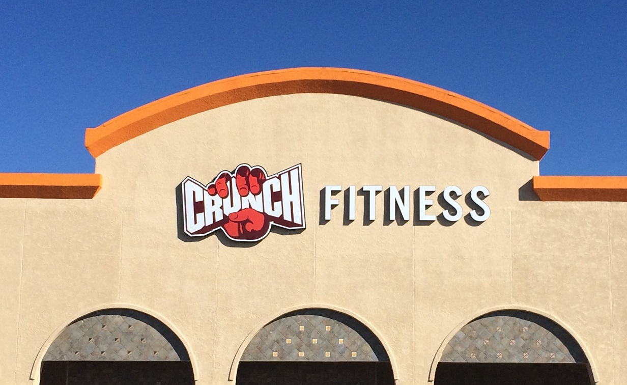 crunch fitness, outdoor sign, business signs, gym sign, sign, channel letters, shipping, tarzana, las cruces, new mexico