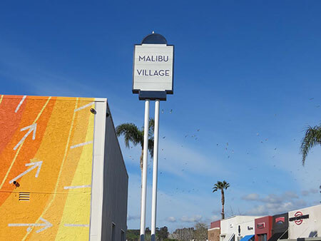 PylonSign_MallSign_Malibu_MalibuVillage_PremiumSignSolution