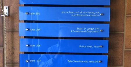 office signage, directory signs, insurance signs, acrylic signs, modern signs, color acrylic, woodland hills