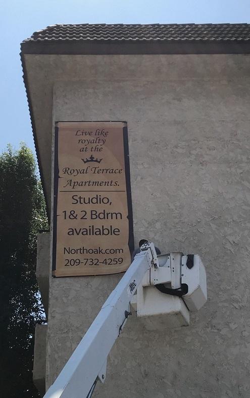 banners, custom banners, banner design, oversized banners, sign design, sign makers, sign companies, property management, woodland hills, building banner