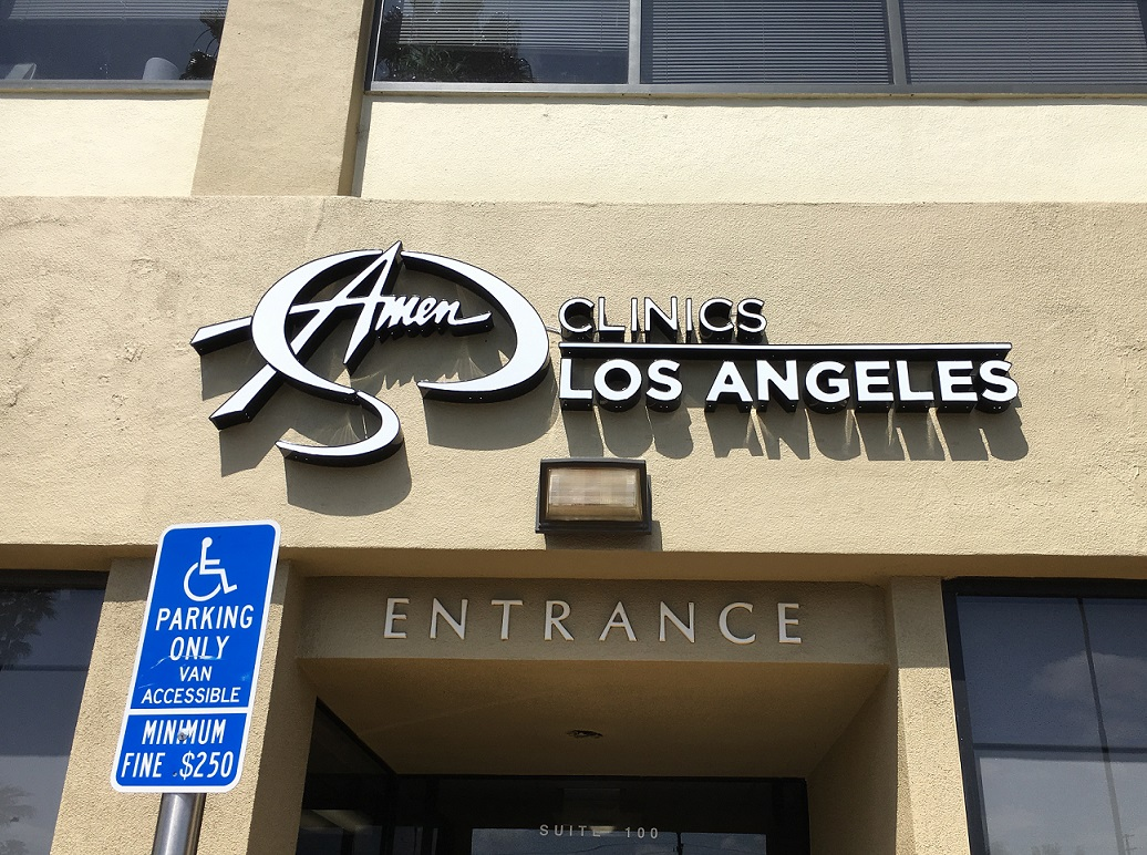 custom channel letters, channel letters, custom building sign, illuminated signs, clinic signs, sign makers, sign companies, Encino, sign company, sign maker, channel lettering, hospital sign