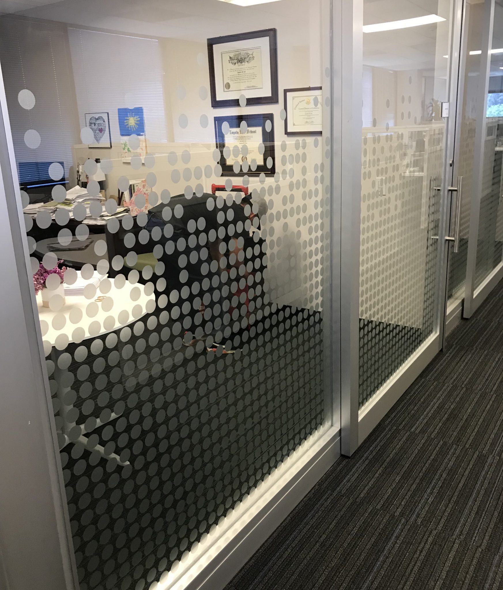 etched vinyl, etched glass vinyl, lobby signs, office signs, sign company, sign makers, sign industry, sign installation, interior signs