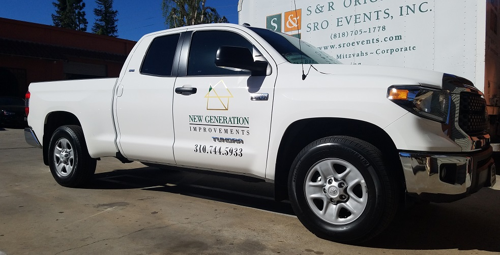 construction signage, contractor signs, vehicle graphics, vehicle lettering, small business signs, sign makers, los angeles