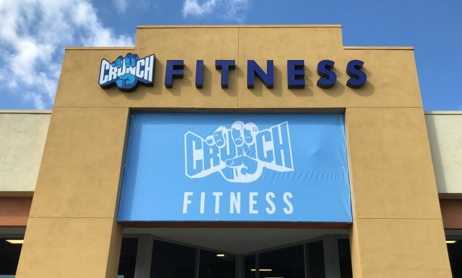 crunch fitness, gym sign, banners, channel letters, dimensional letters, outdoor sign