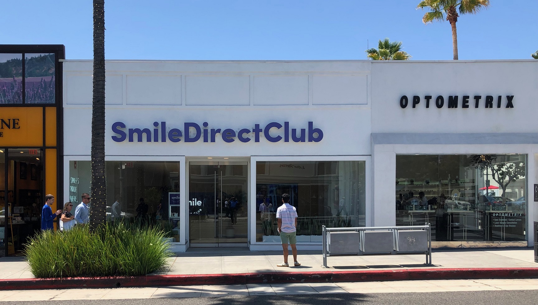 sign consultation, sign permit, sign consultant, sign makers near me, building permit signage, sign makers los angeles, sign permiting los angeles, channel lettering, channel letter company los angeles, smile direct club los angeles signage, Sign Fabricators Beverly Hills, Sign Permit Process Beverly Hills, Smile Direct Club Beverly Hills Sign, Business Sign Company, Exteior Signage Beverly Hills