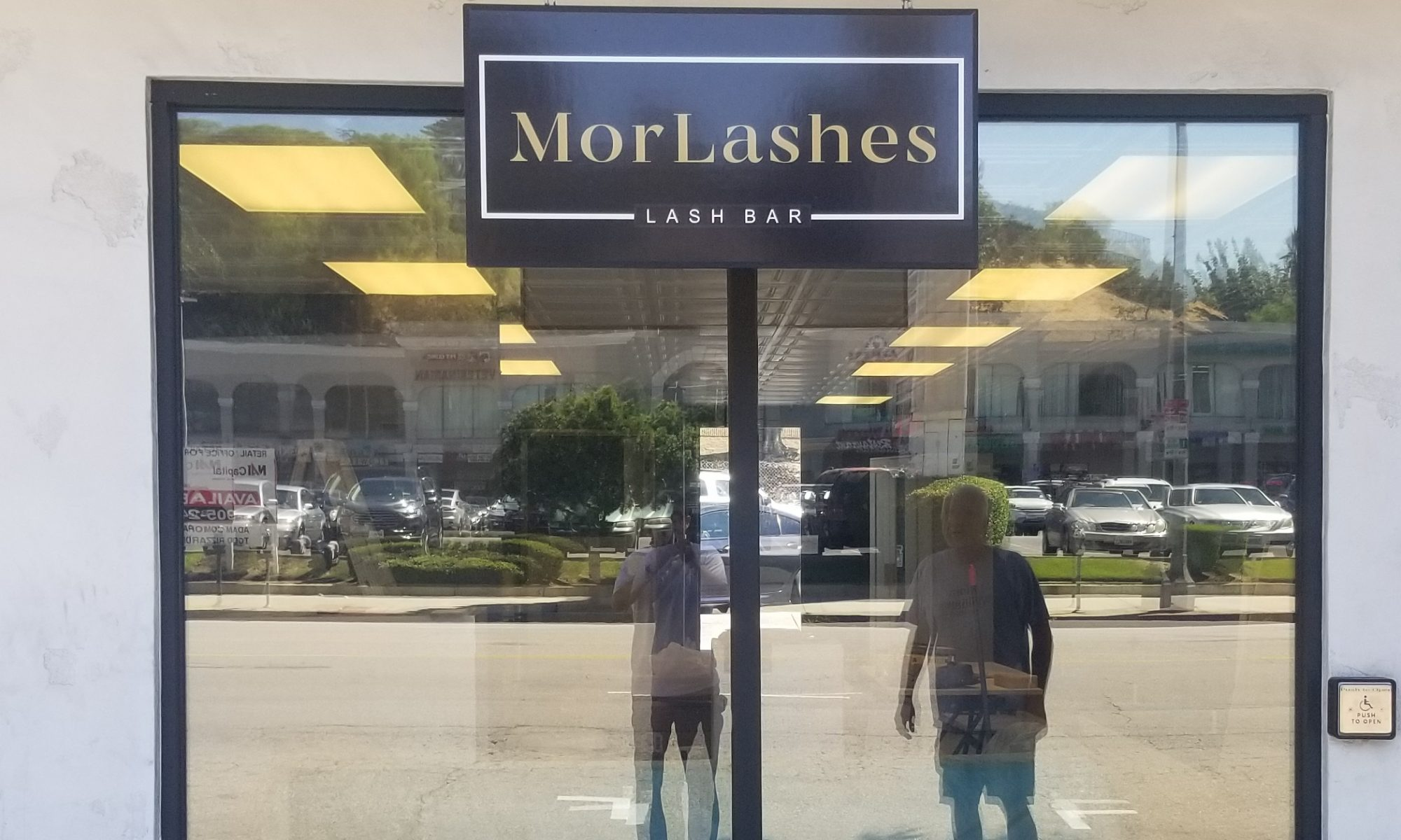 sign company near me, sign maker, outdoor business sign, storefront sign, commercial sign, custom business sign, salon sign, parking lot sign, parking sign, sign company in Tarzana, sign company in San Fernando Valley, custom business signs,
