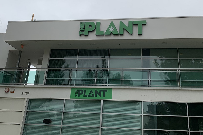 storefront channel letters, channel letters, business sign, dispensary sign, cannibis sign, custom fabrication signs woodland hills, woodland hills sign company, premium sign solutions tarzana, channel letters woodland hills, sign makers woodland hills
