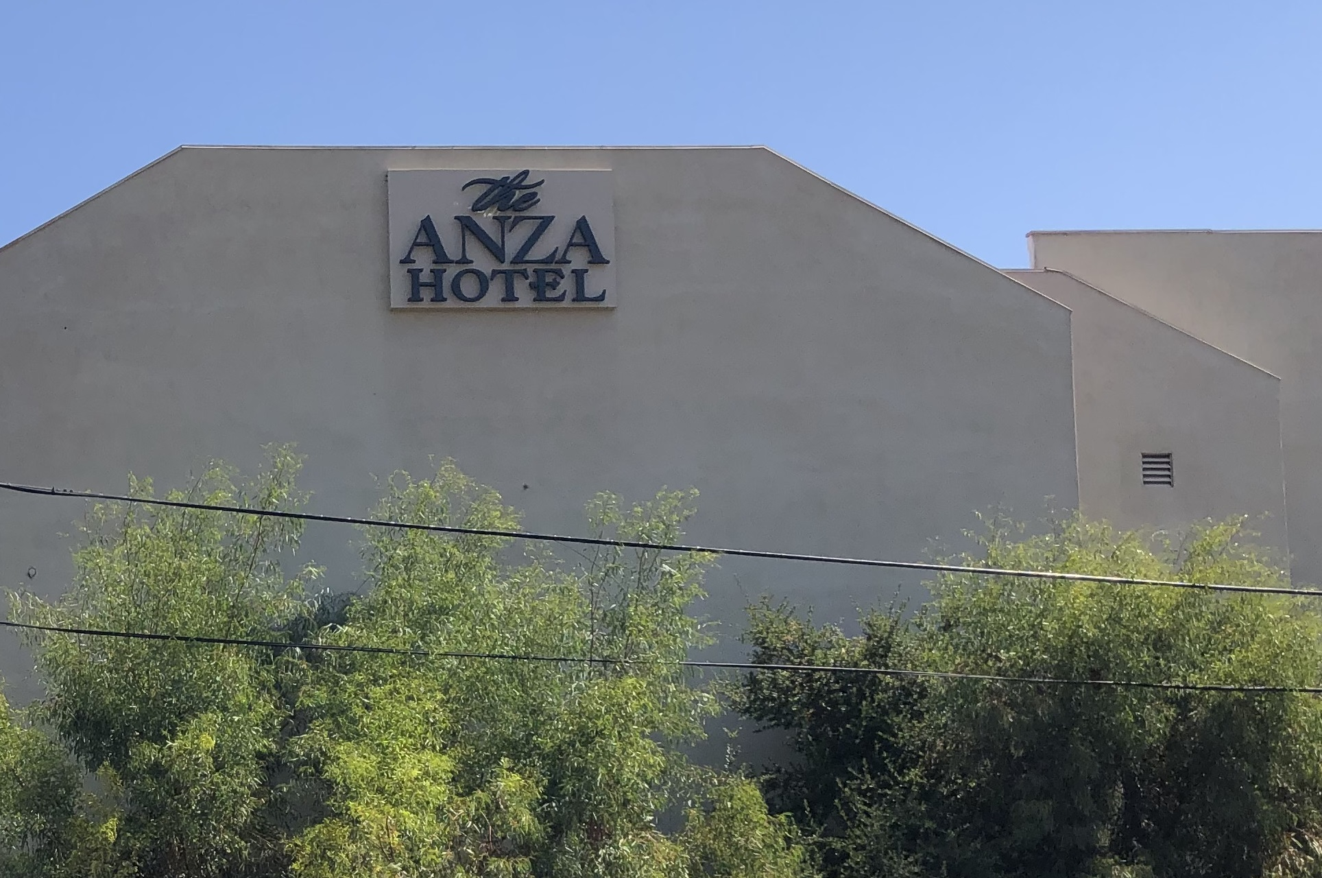 We installed sets of new halo lit channel letters for Hotel Anza. With these hotel channel letters, the Calabasas brand will stand out even more.