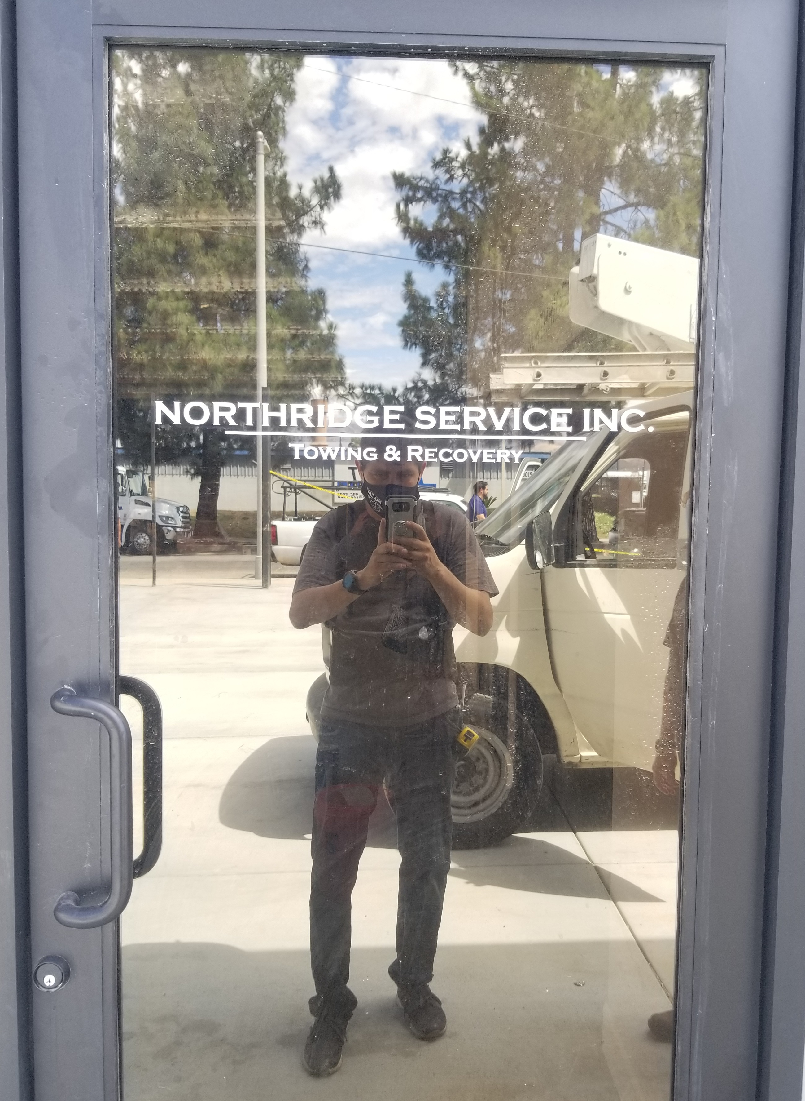 Our work for Northridge Auto Service continues. This time it is indoor office signage, specifically a wall graphics business sign package.