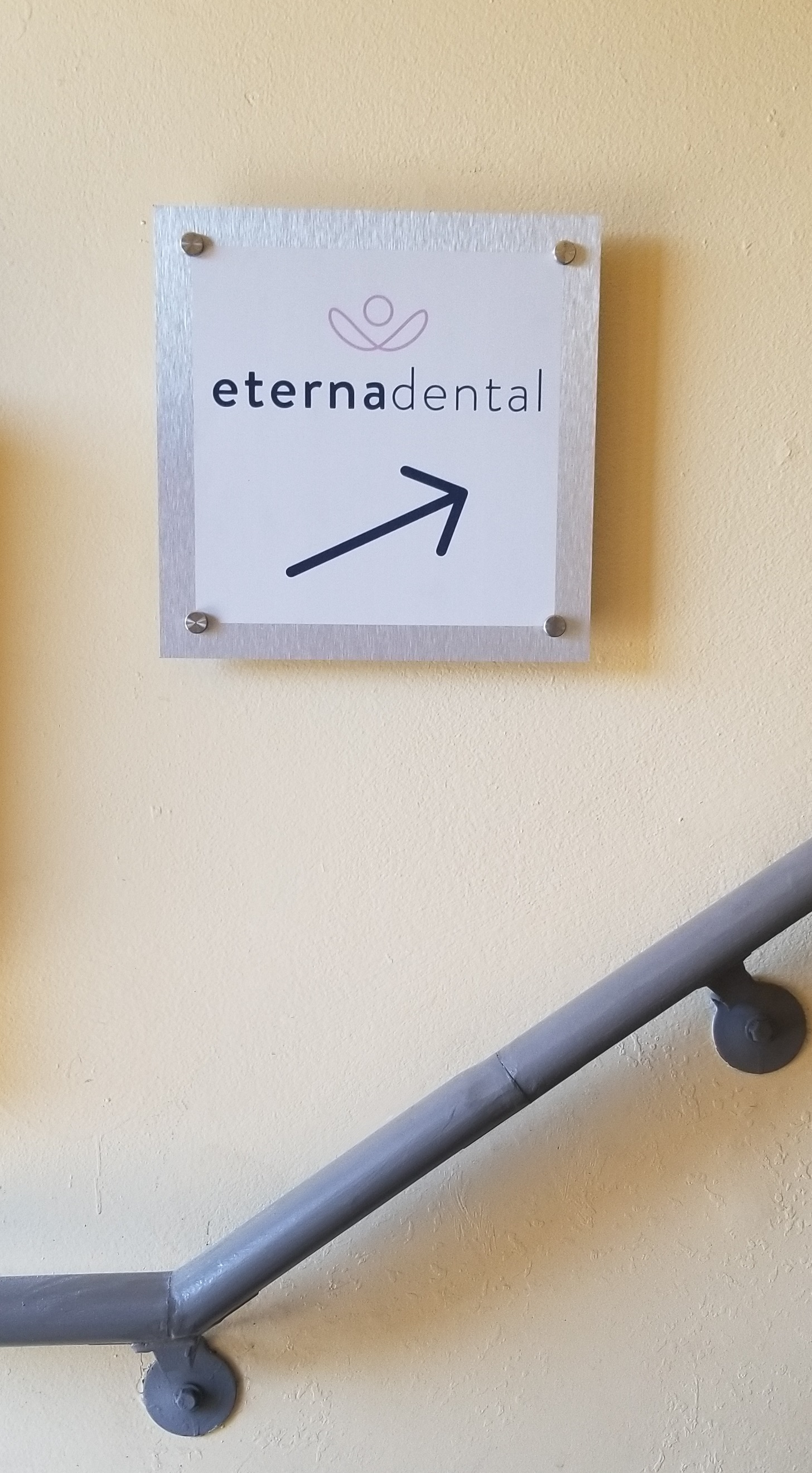 More signs for Eternadental in Huntington Park as part of their business sign package. These are directional signs to help guide patients to their clinic.