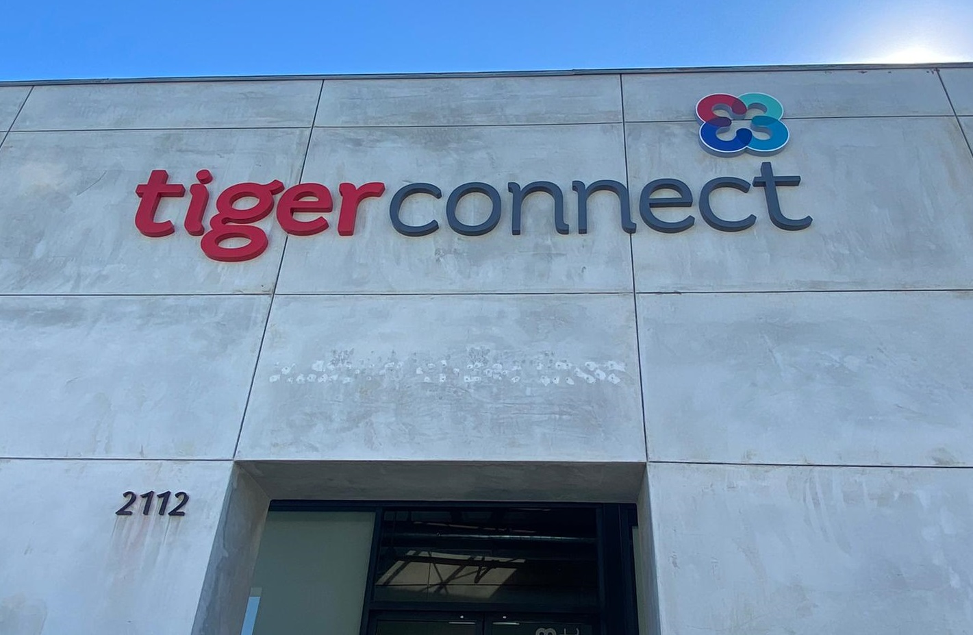 This dimensional letter sign is part of our business sign package for TigerConnect. With this exterior sign, their Santa Monica office will stand out.