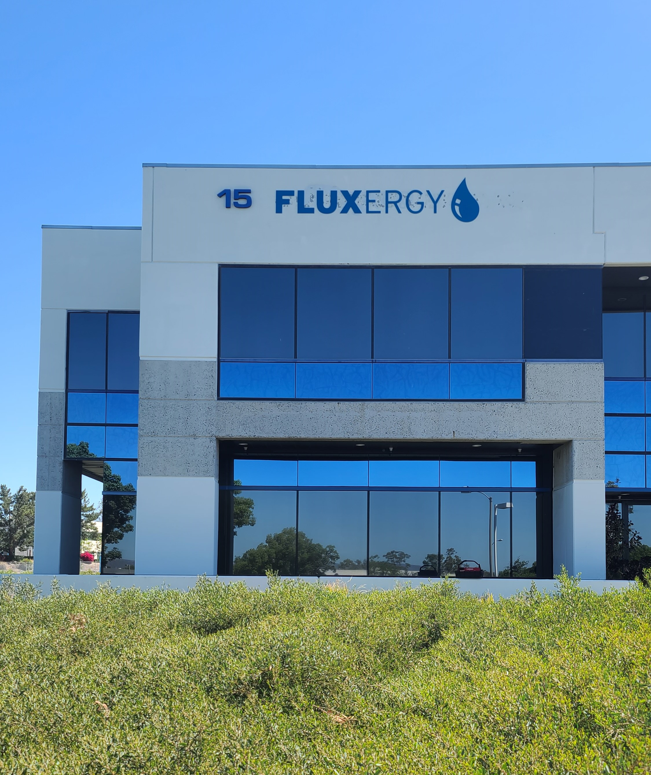 These are the exterior dimensional letter sign sets we fabricated and installed for Fluxergy as part of a sign package for their Irvine building.