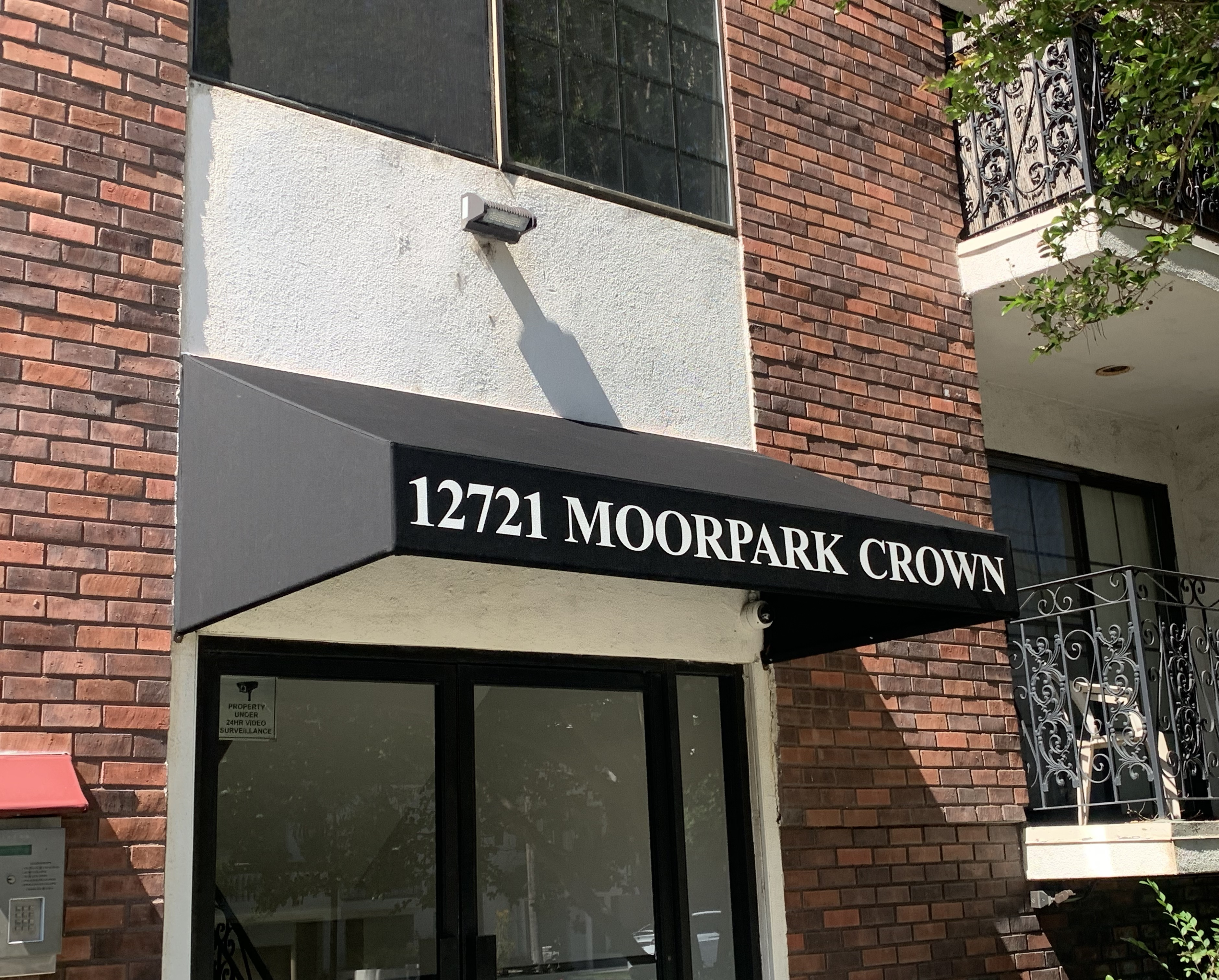We fabricated and installed this apartment entrance awning sign for the Moorpark Crown Apartments in Studio City.