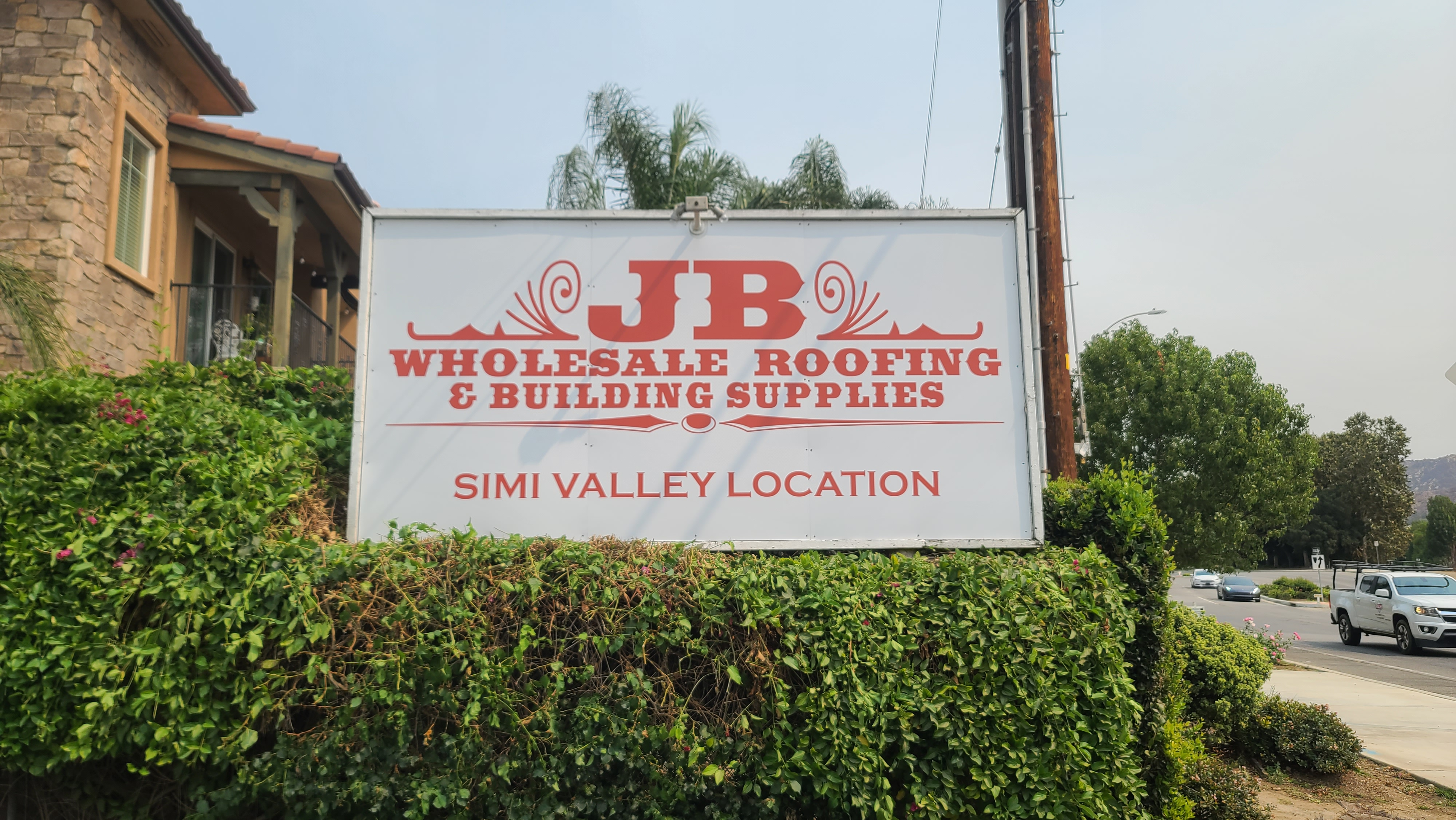 It pays to go big with signage. Like with this billboard sign for JB Wholesale Roofing & Building Supplies' Simi Valley location.